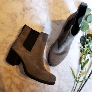 Sam Edelman Grey Heeled Boots Chelsea Size 8 Gray